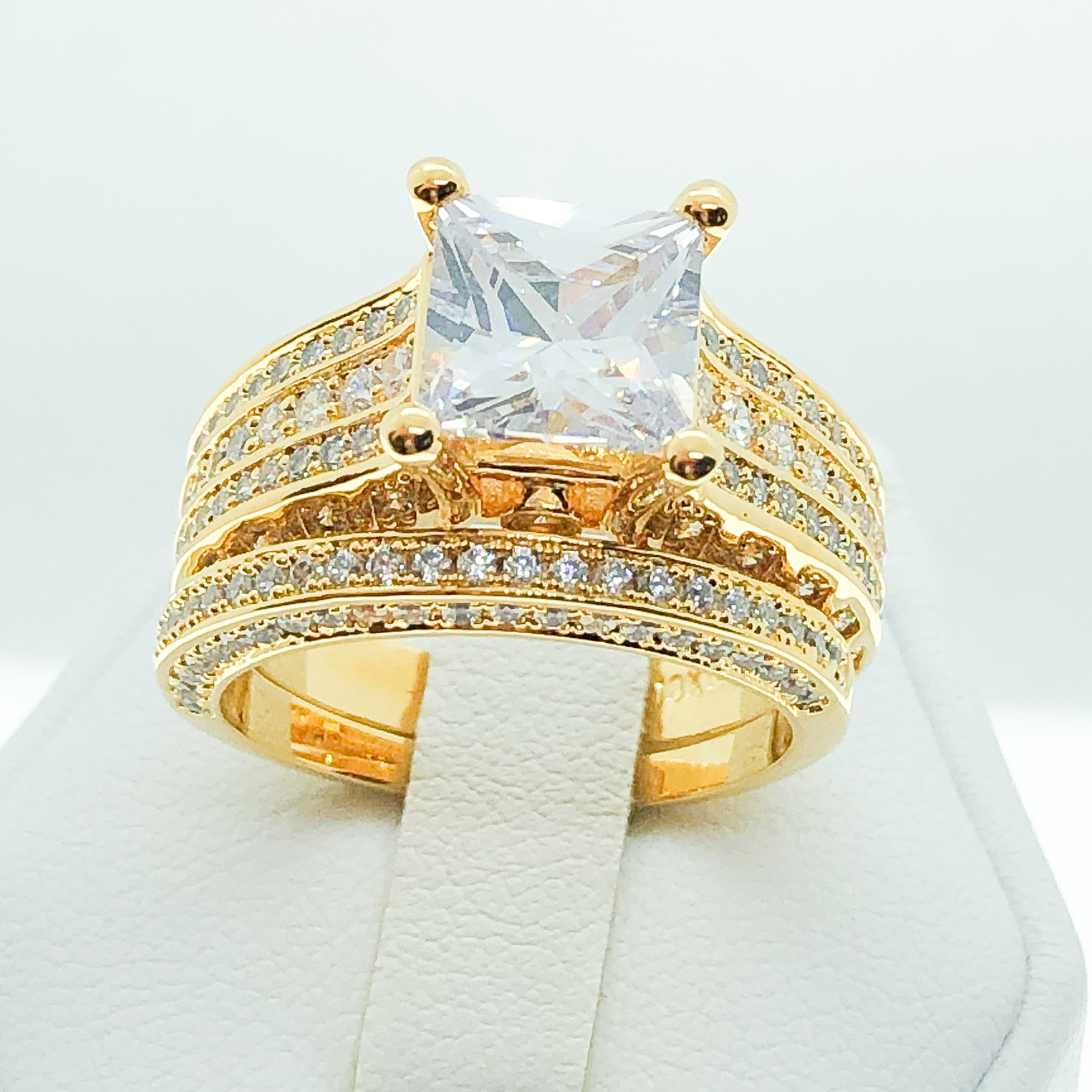 ID:R8024 Women Jewelry 18K Yellow Gold GF Exquisite Vintage Engagement Wedding Brilliance Clear Stones Band Ring 2pcs/Set