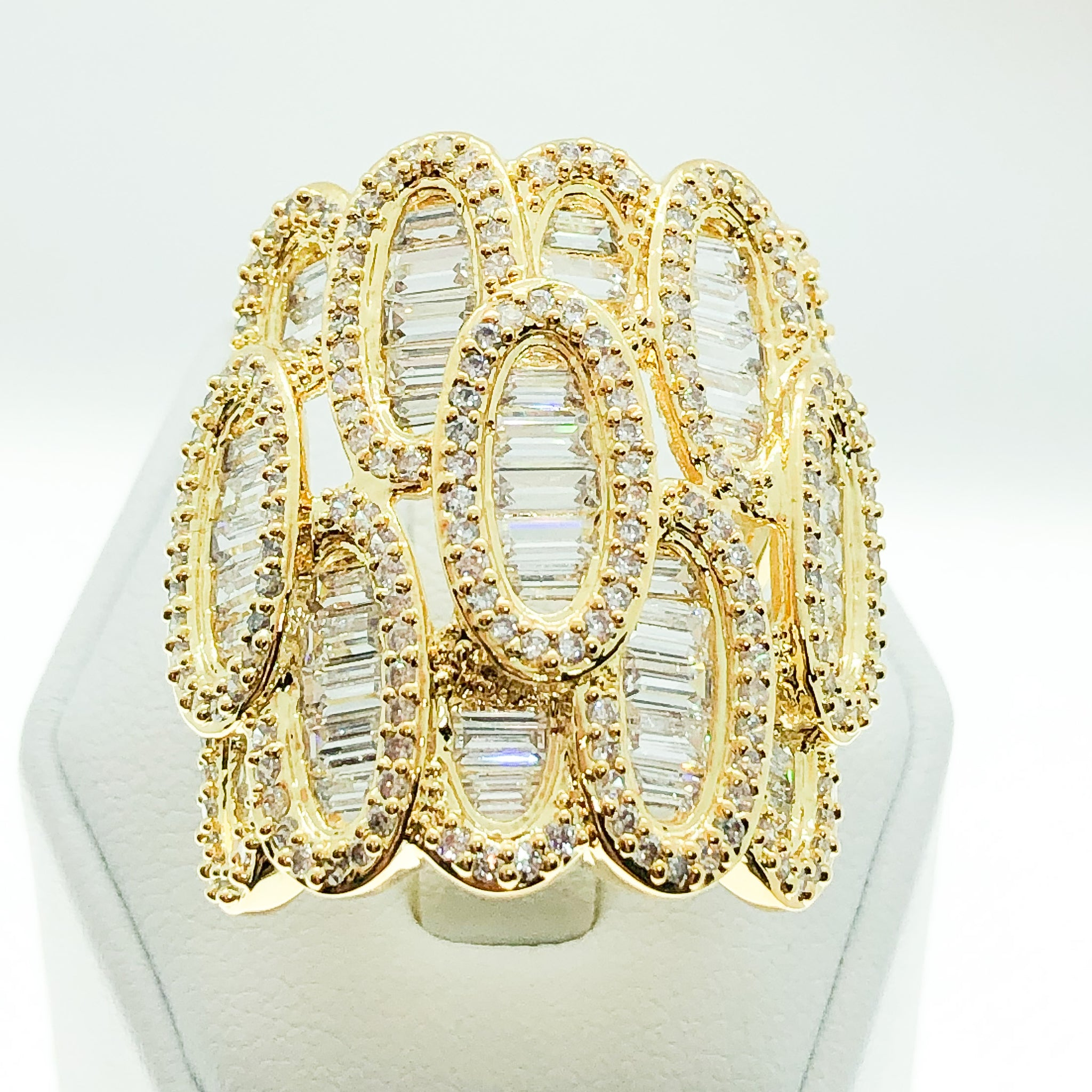 ID:R7026 Women 18K Yellow Gold GF Fashion Jewelry Remarkable Design Clear Stones Luxury Cluster Ring