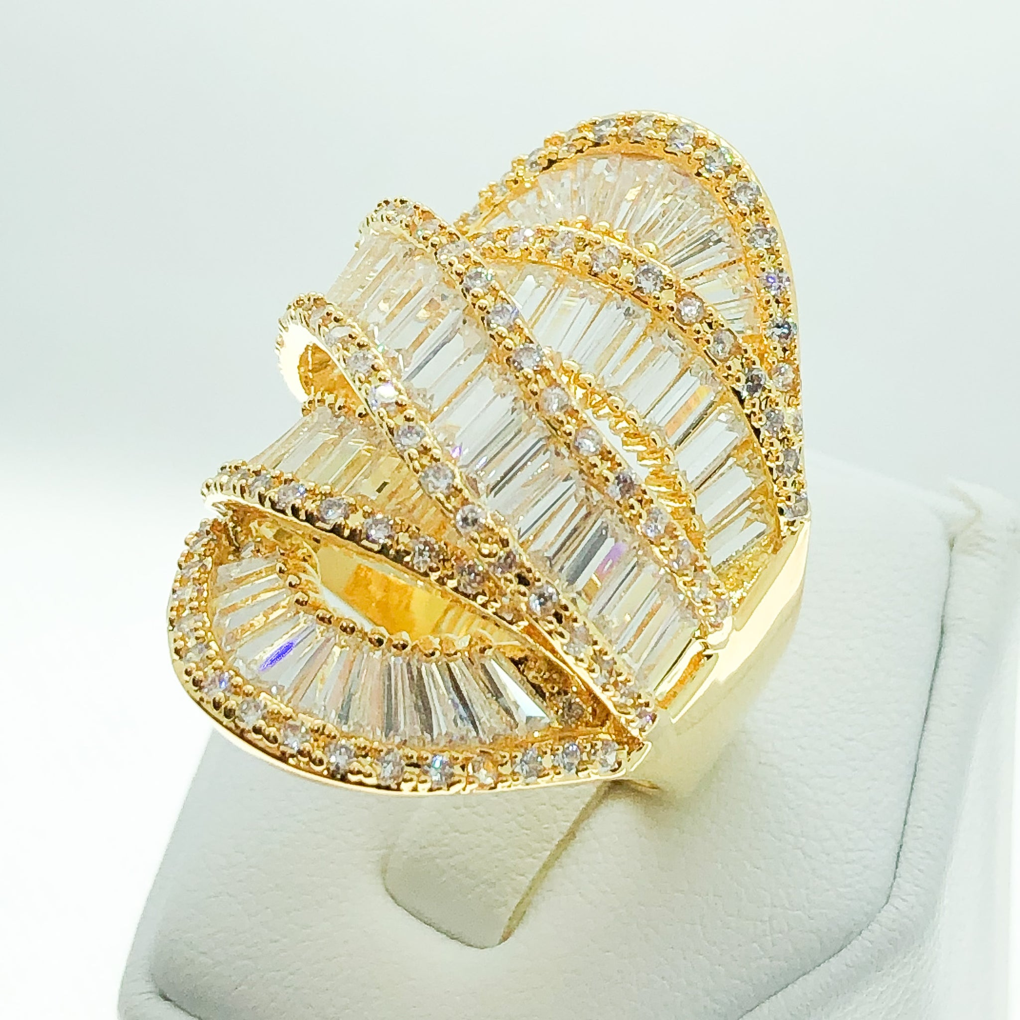 ID:R7010 Women 18K Yellow Gold GF Fashion Jewelry Excellent Design Clear Stones Luxury Cluster Ring
