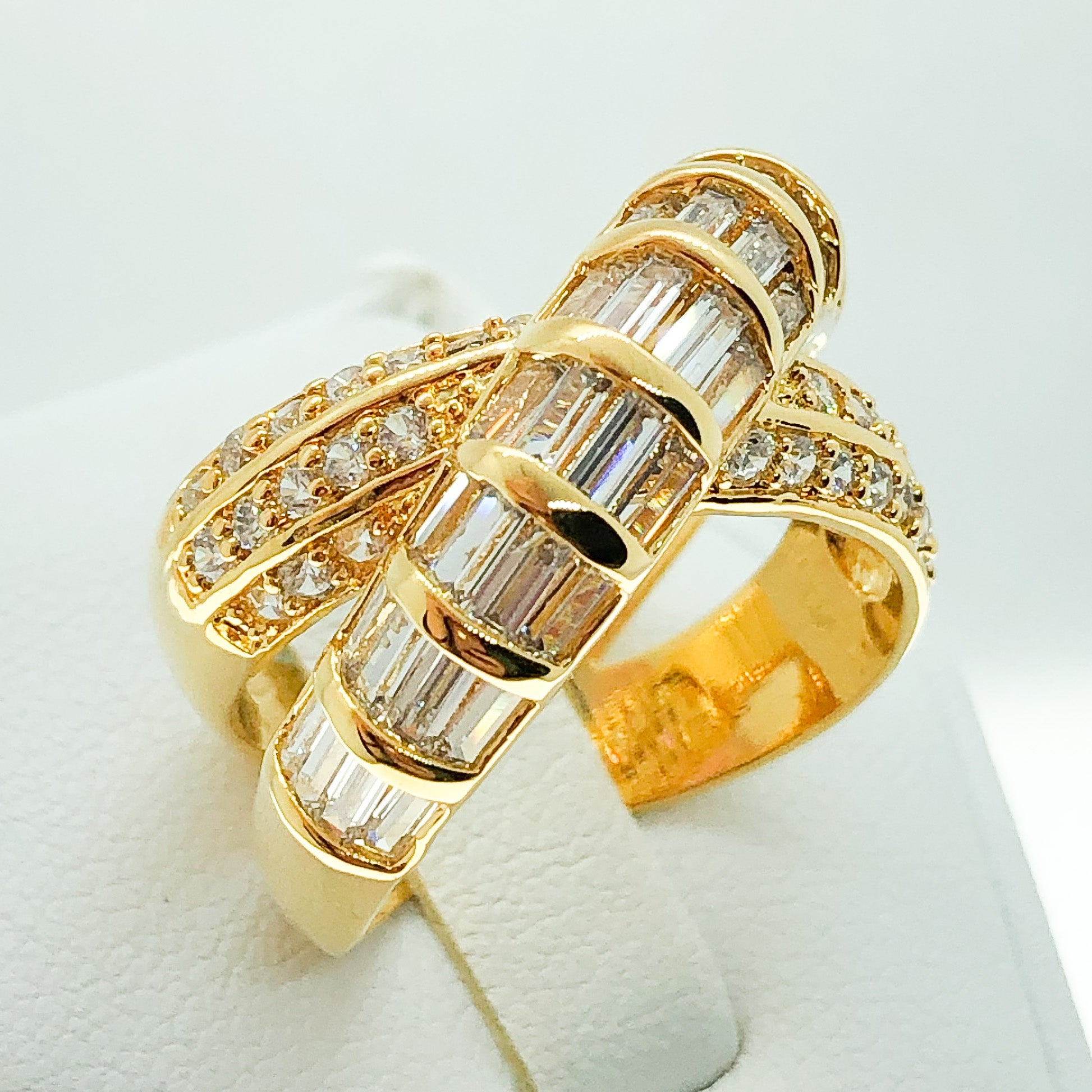 ID:R7025 Women 18K Yellow Gold GF Fashion Jewelry Glittering Stone Engagement Wedding Band Roll Ring