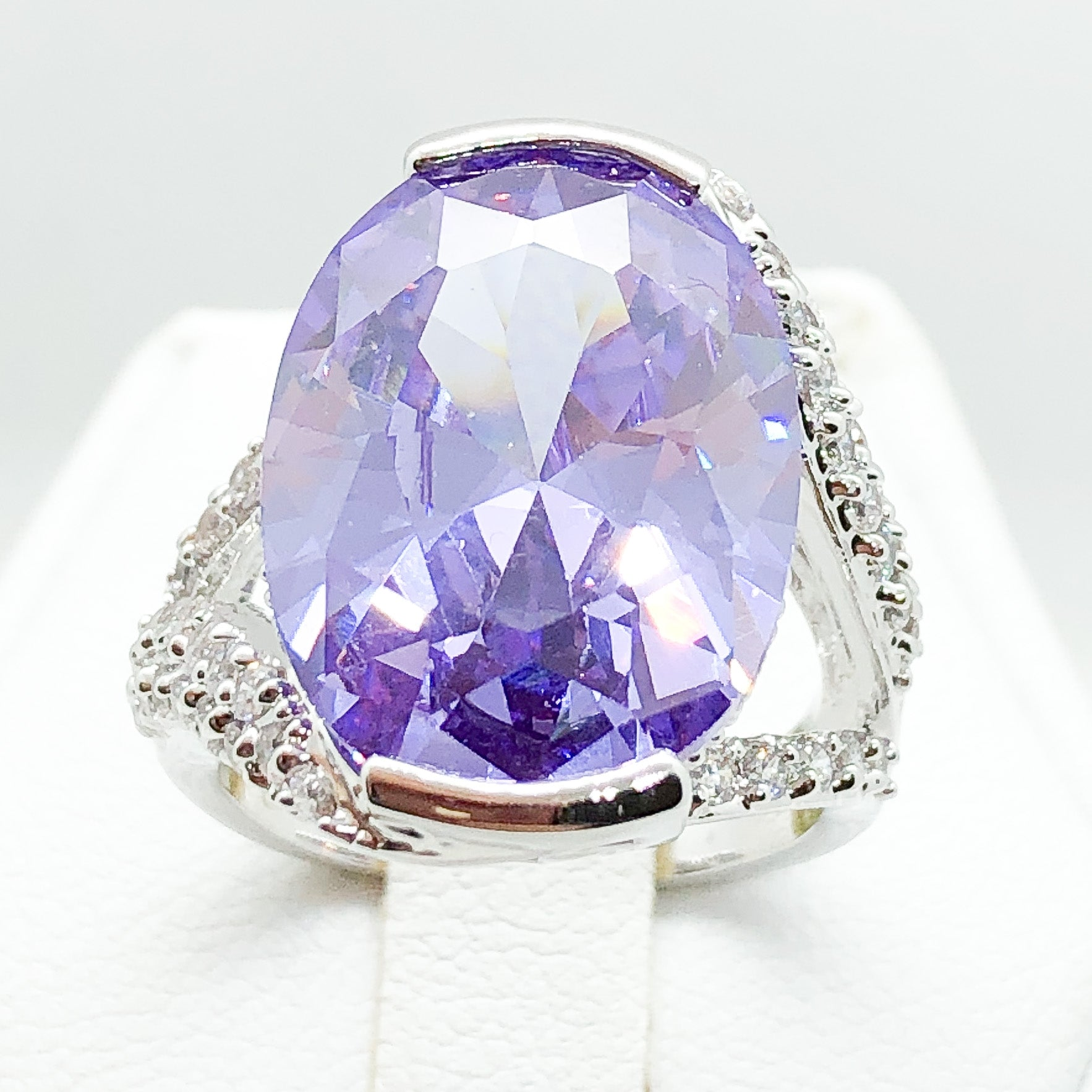 ID:R4601 Women 18K White Gold GF Fashion Jewelry Splendid Big Amethyst Center Gemstone With Accent Cocktail Ring