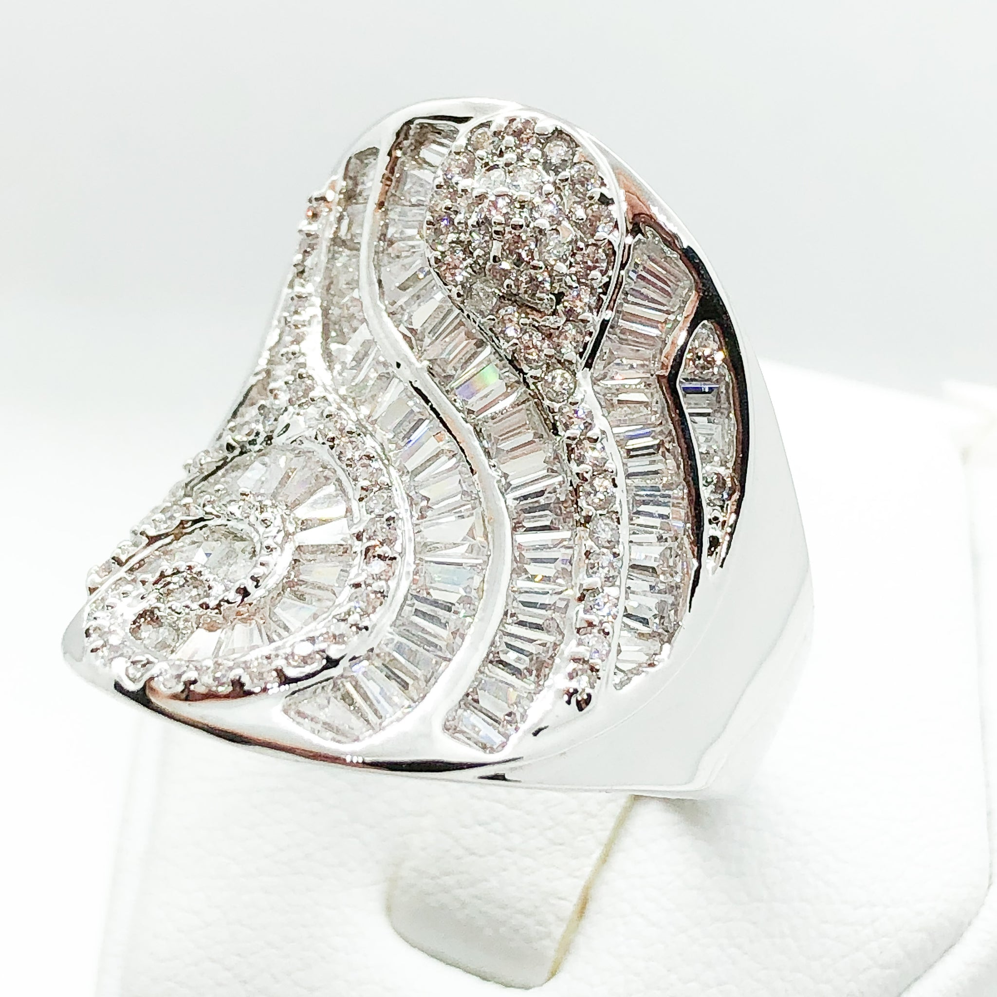 ID:R5006 Women 18K White Gold GF Fashion Jewelry Extraordinary Shining Unique Design Cocktail Ring Anniversary Gift