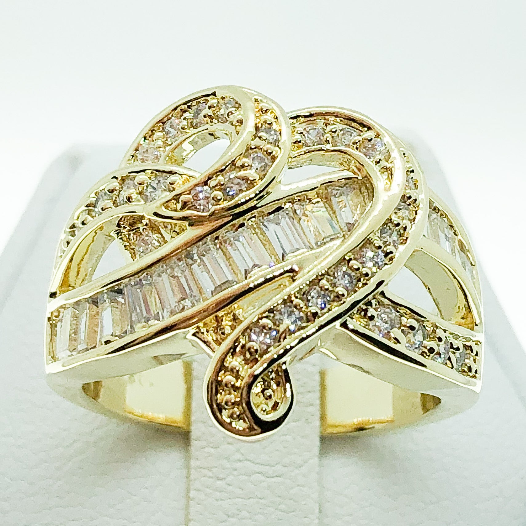 ID:R5472 Women 18K Yellow Gold GF Fashion Jewelry Beautiful Unique Heart Design Cluster Cocktail Ring Anniversary Gift