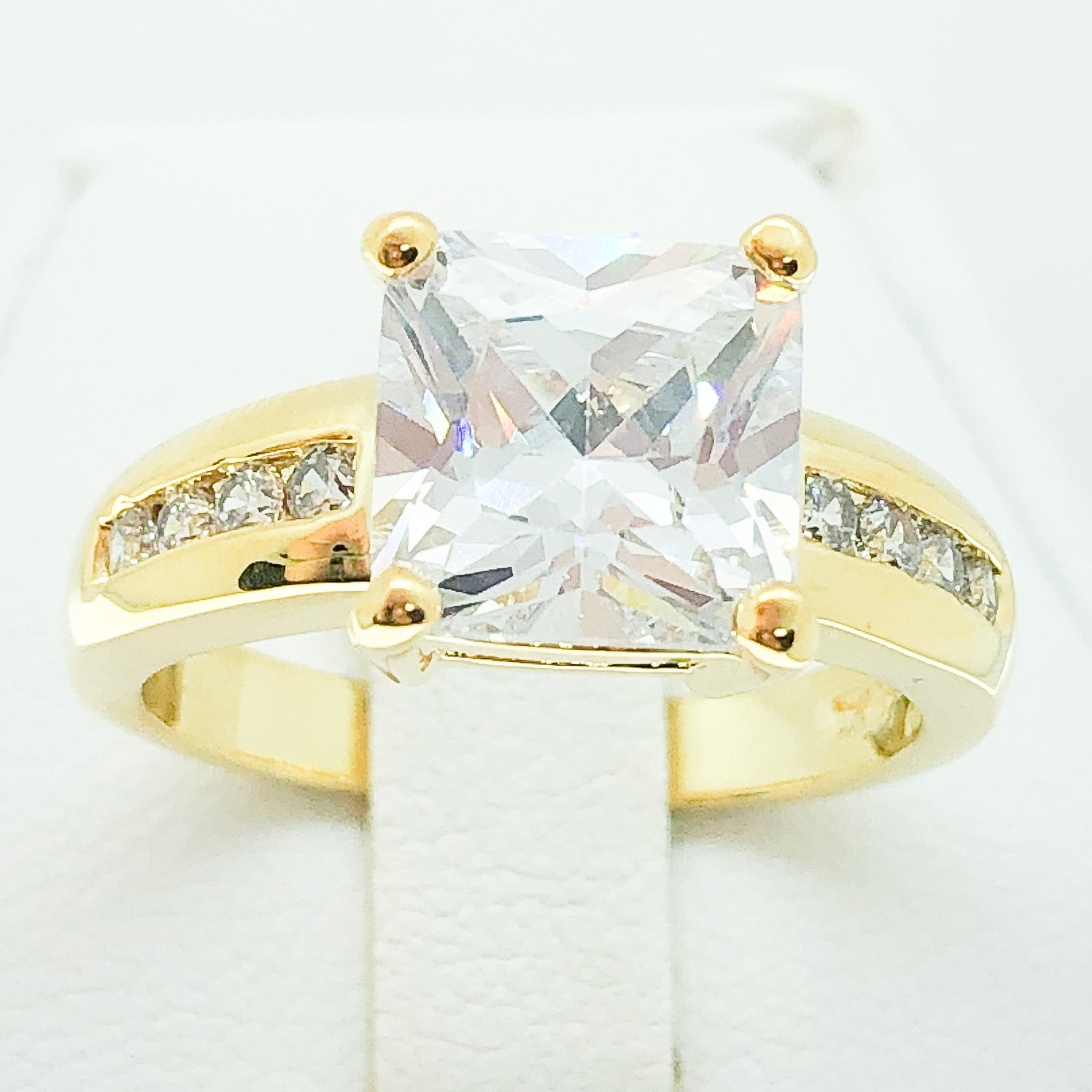 ID:R4068 Women 18K Yellow Gold GF Fashion Jewelry Engagement Wedding Solitaire with Accent Bridal Diamonique Ring
