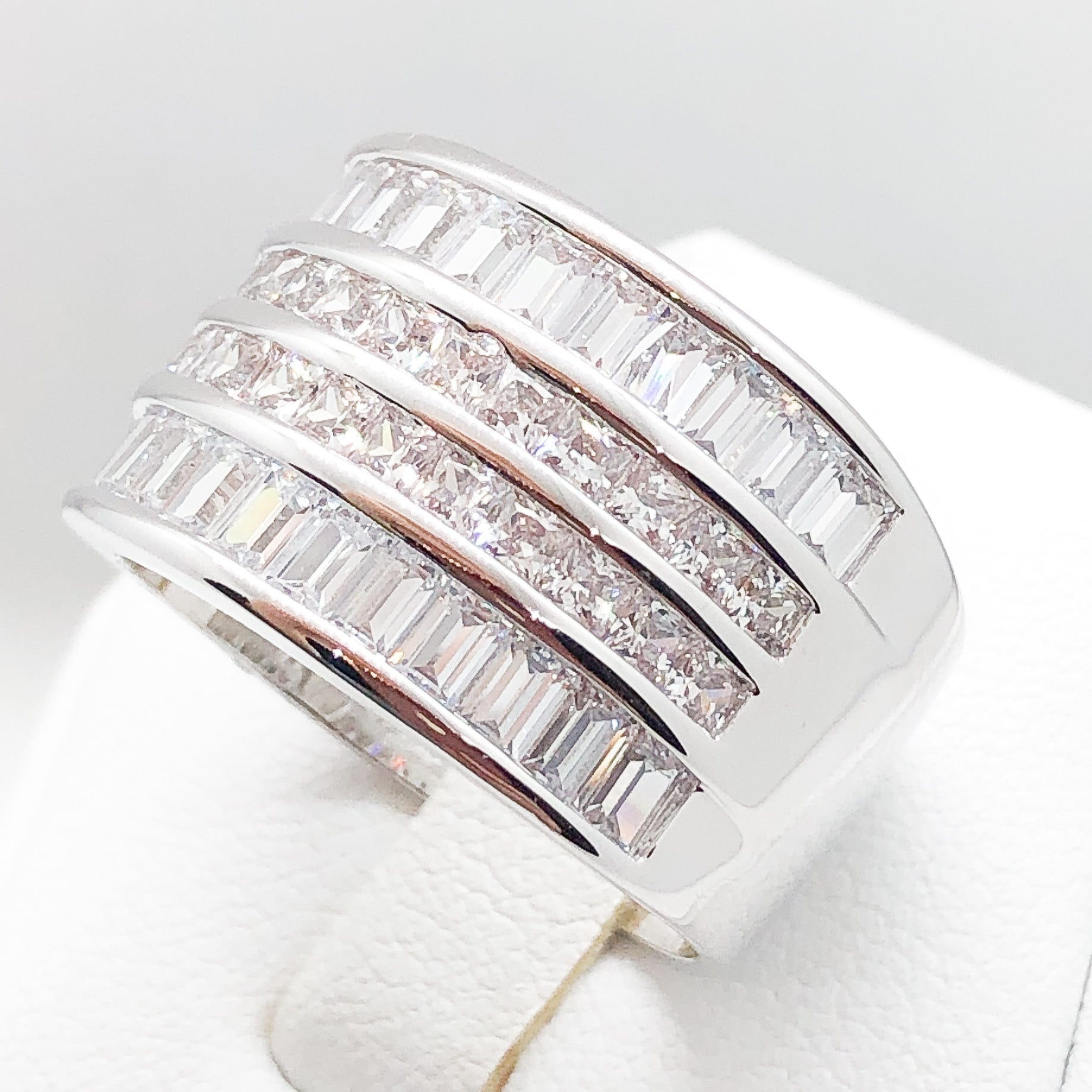 ID:R3523 Women Vintage Fashion Jewelry 18K White Gold GF Stunning Baguette Diamonique Engagement Wedding Eternity Band Ring