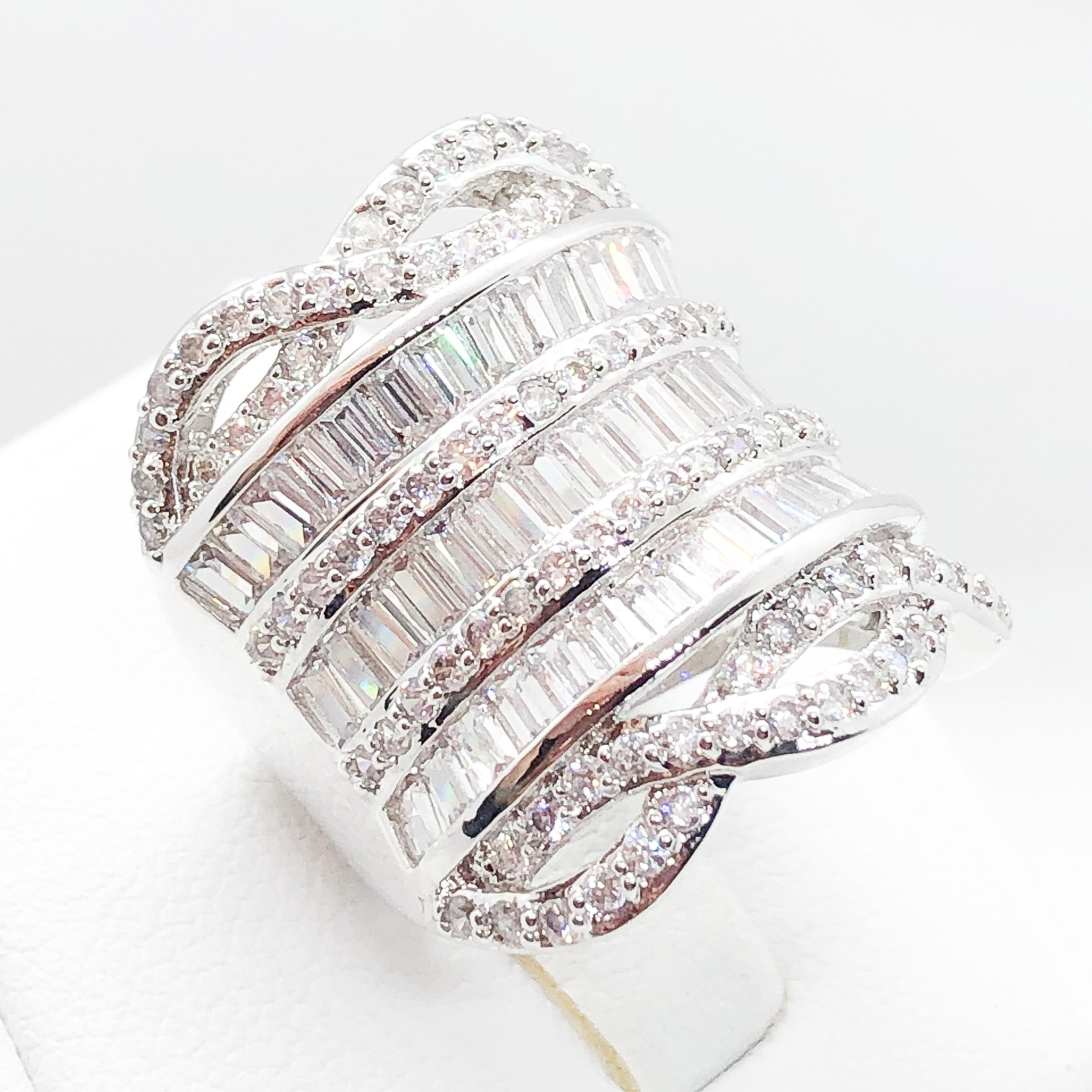 ID:R3938 Women 18K White Gold GF Vintage Jewelry Gorgeous Diamonique Fashionable Cluster Cocktail Ring Anniversary Gift