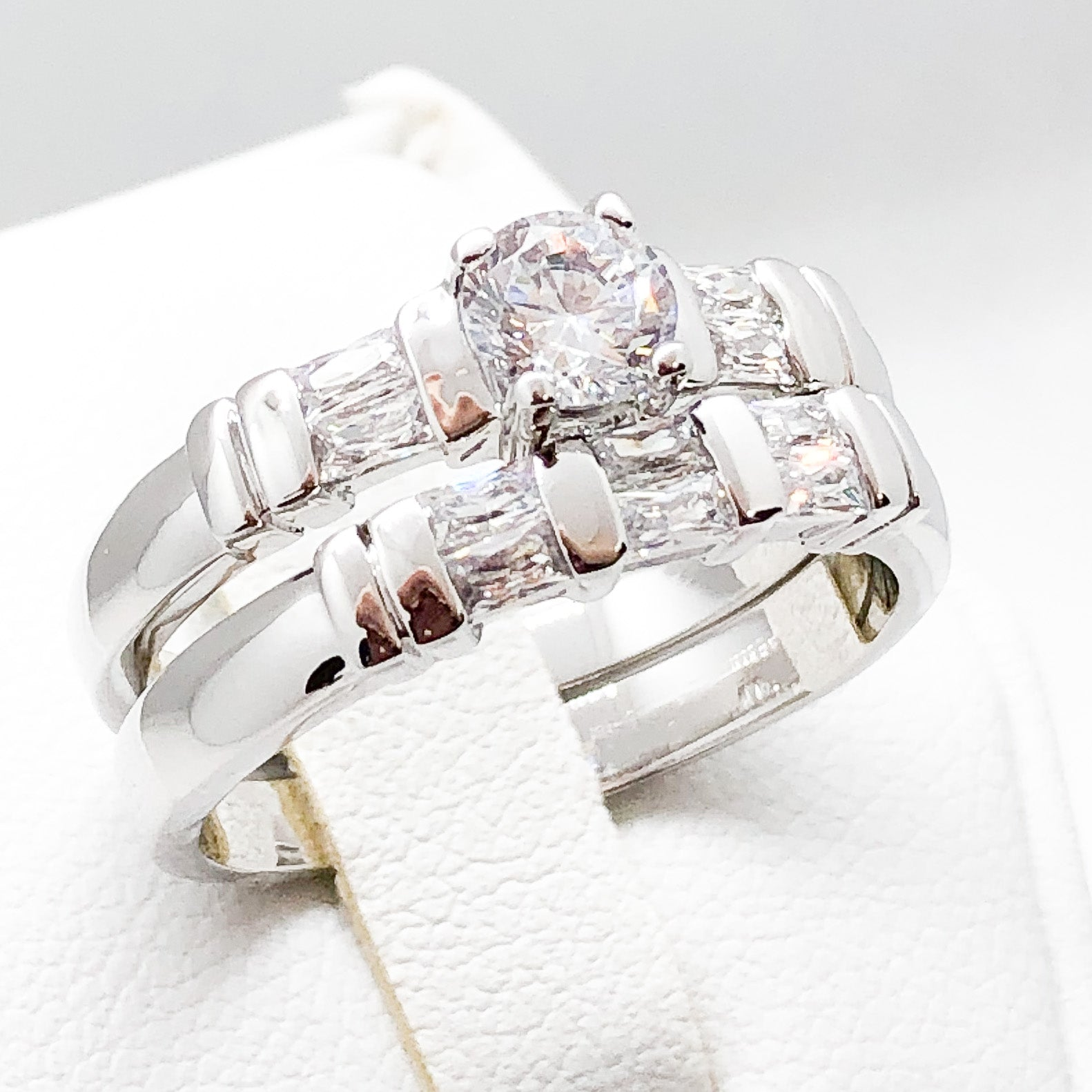 ID:R3585 Women Vintage Jewelry 18K White Gold GF Good-Looking Engagement Wedding Bridal Diamonique Band Ring 2pcs/Set