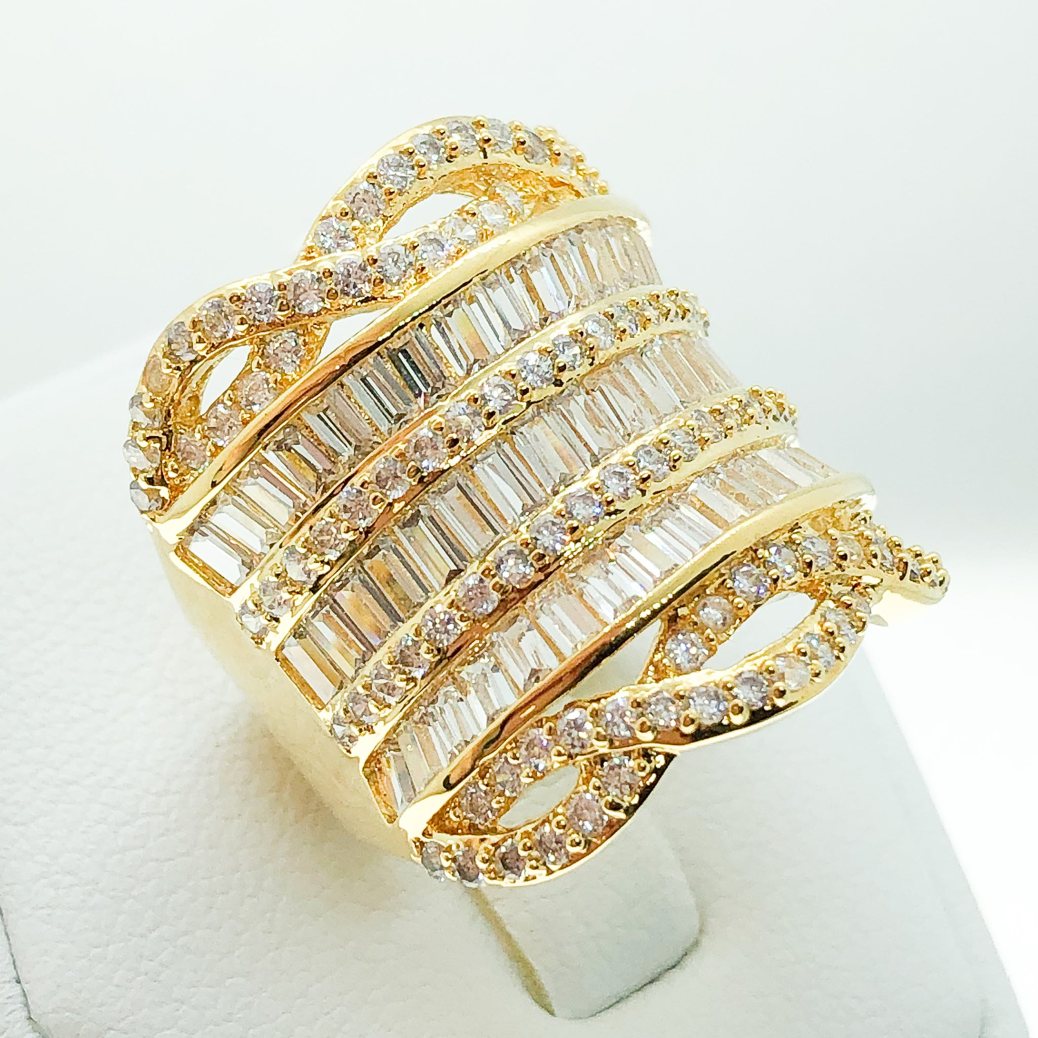 ID:R3938 Women 18K Yellow Gold GF Vintage Jewelry Gorgeous Diamonique Fashionable Cluster Cocktail Ring Anniversary Gift