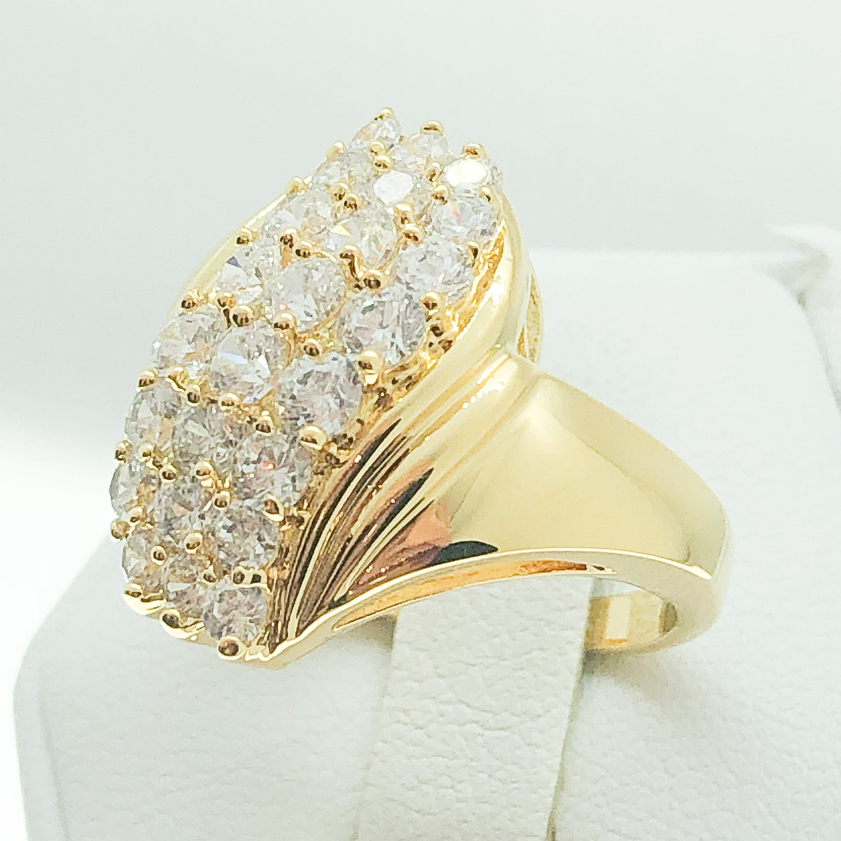 ID:R0505 Women Fashion Jewelry 18K Yellow Gold GF Lovely Promise Anniversary Birthday Diamonique Cluster Cocktail Ring