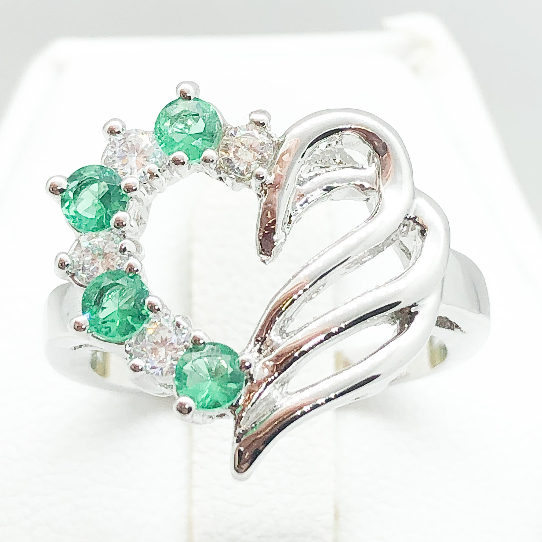ID:R2240 Women Fashion Jewelry 18K White Gold GF Unique Heart Design Green and Clear Crystal Cocktail Ring