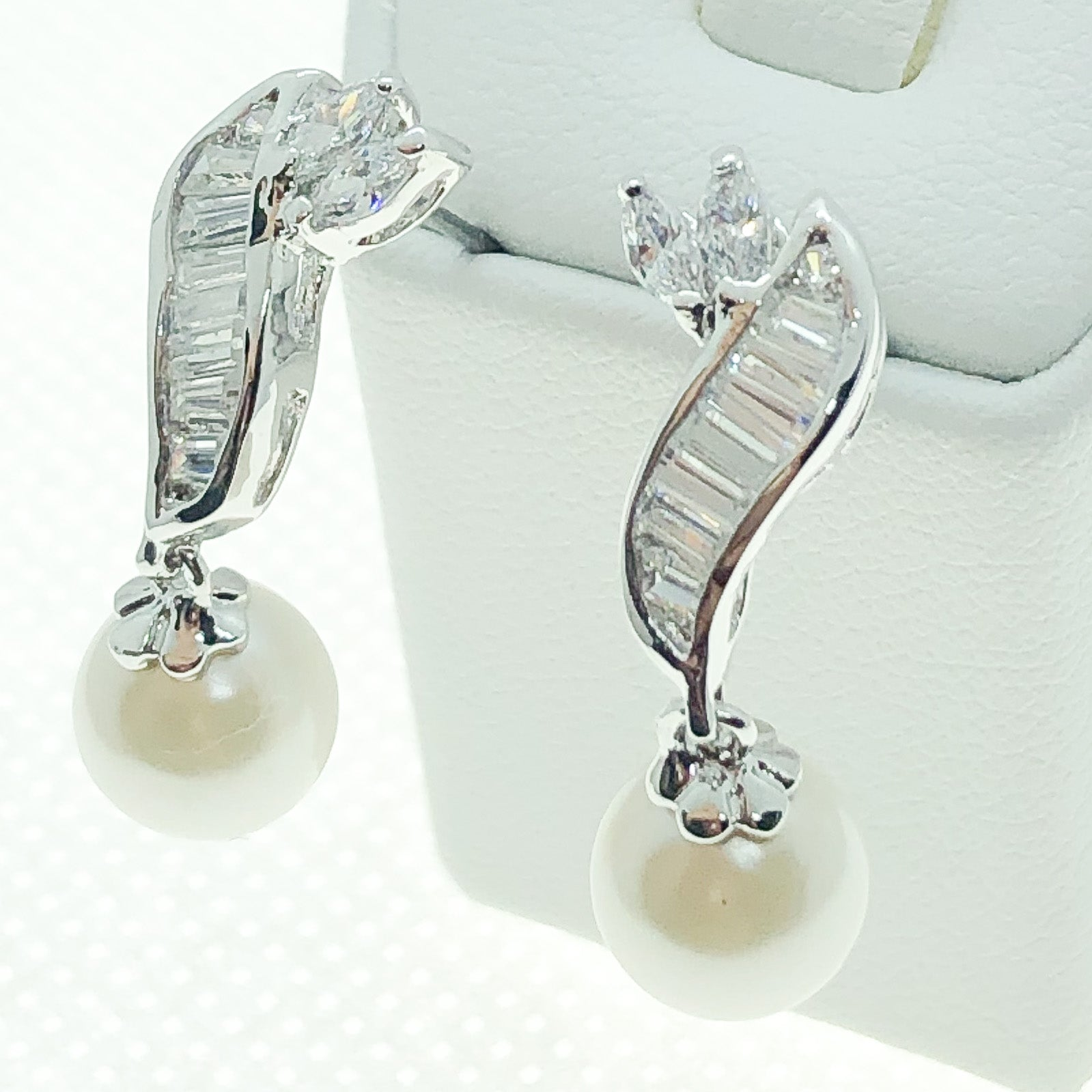 ID: E0203 Women Jewelry 18K White Gold GF Pearl with Clear Round Stones Earrings Fashion Lady Drop Dangle
