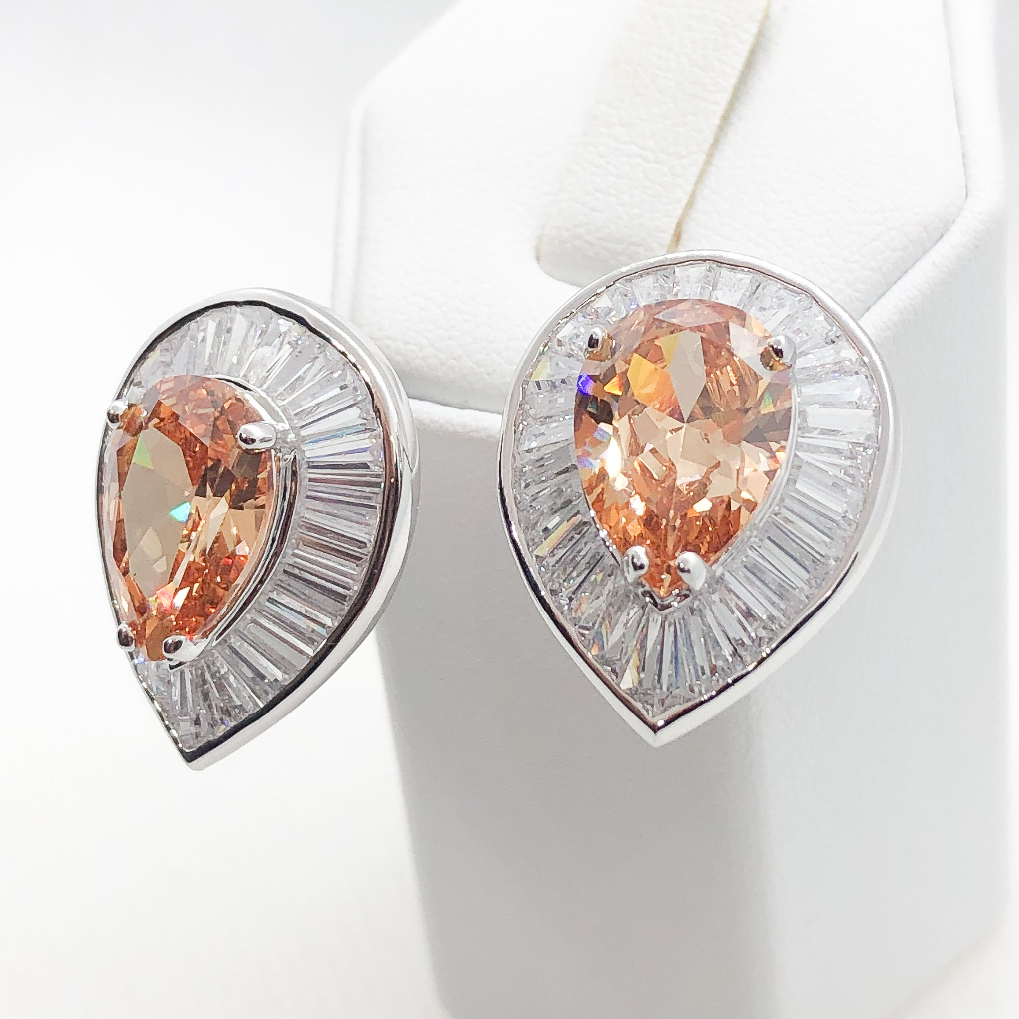 ID: E1303A Women Jewelry 18K White Gold GF Big Orange Crystal with Clear Round Stones Earrings Fashion Lady Drop Stud