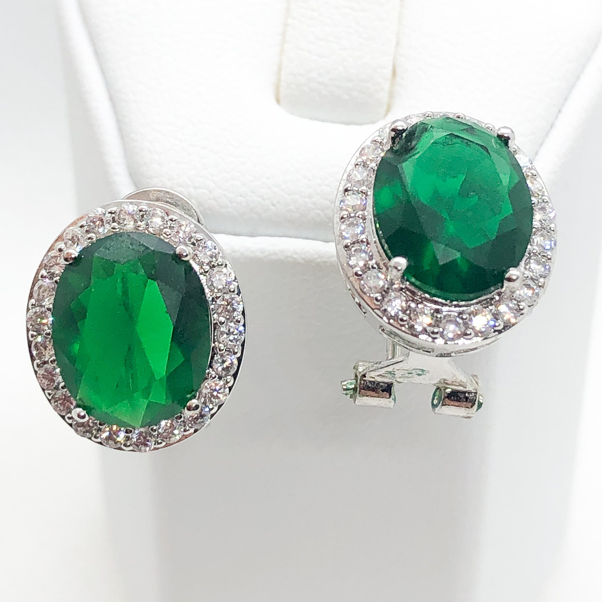 ID: E1448A Women Jewelry 18K White Gold GF Emerald with Clear Round Stones Earrings Fashion Lady Party Stud
