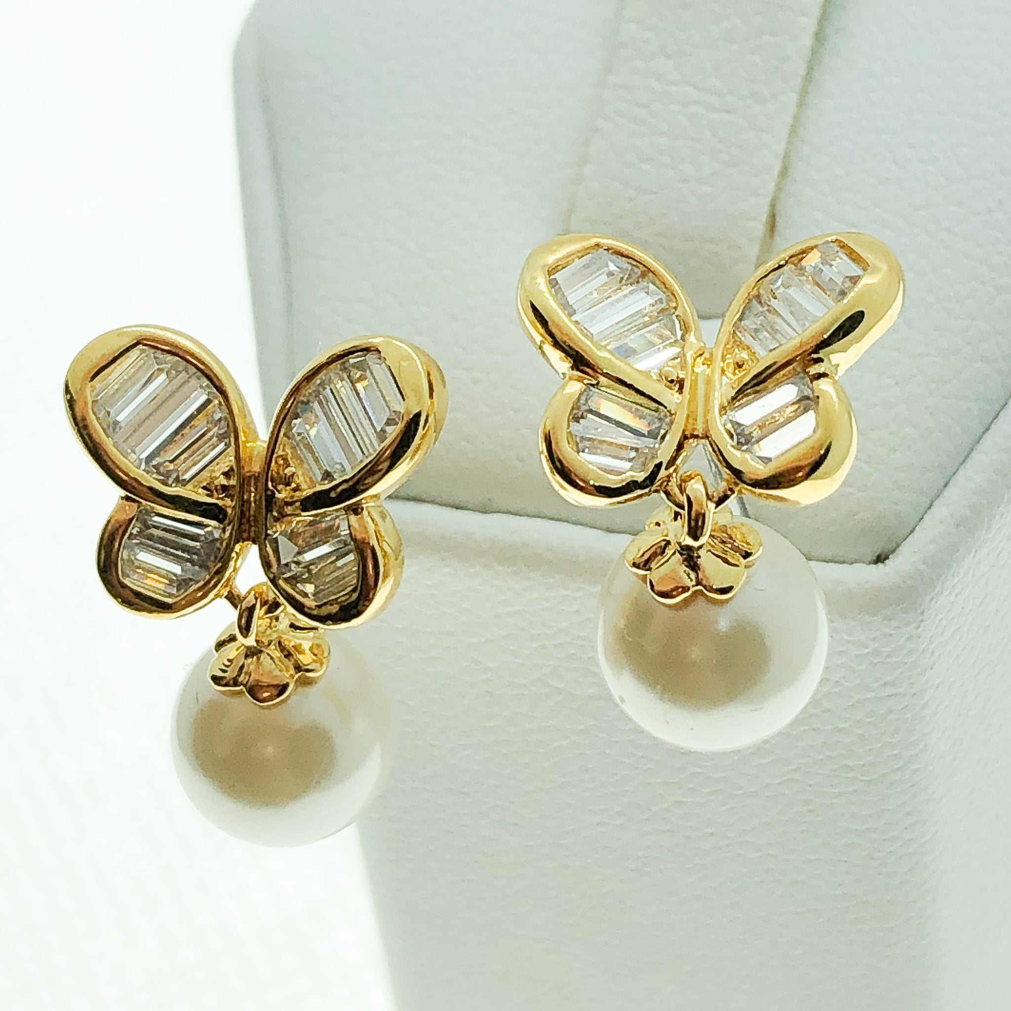 ID: E2292 Women Jewelry 18K Yellow Gold GF Pearl with Clear Round Stones Earrings Fashion Party Lady Butterfly Drop Stud
