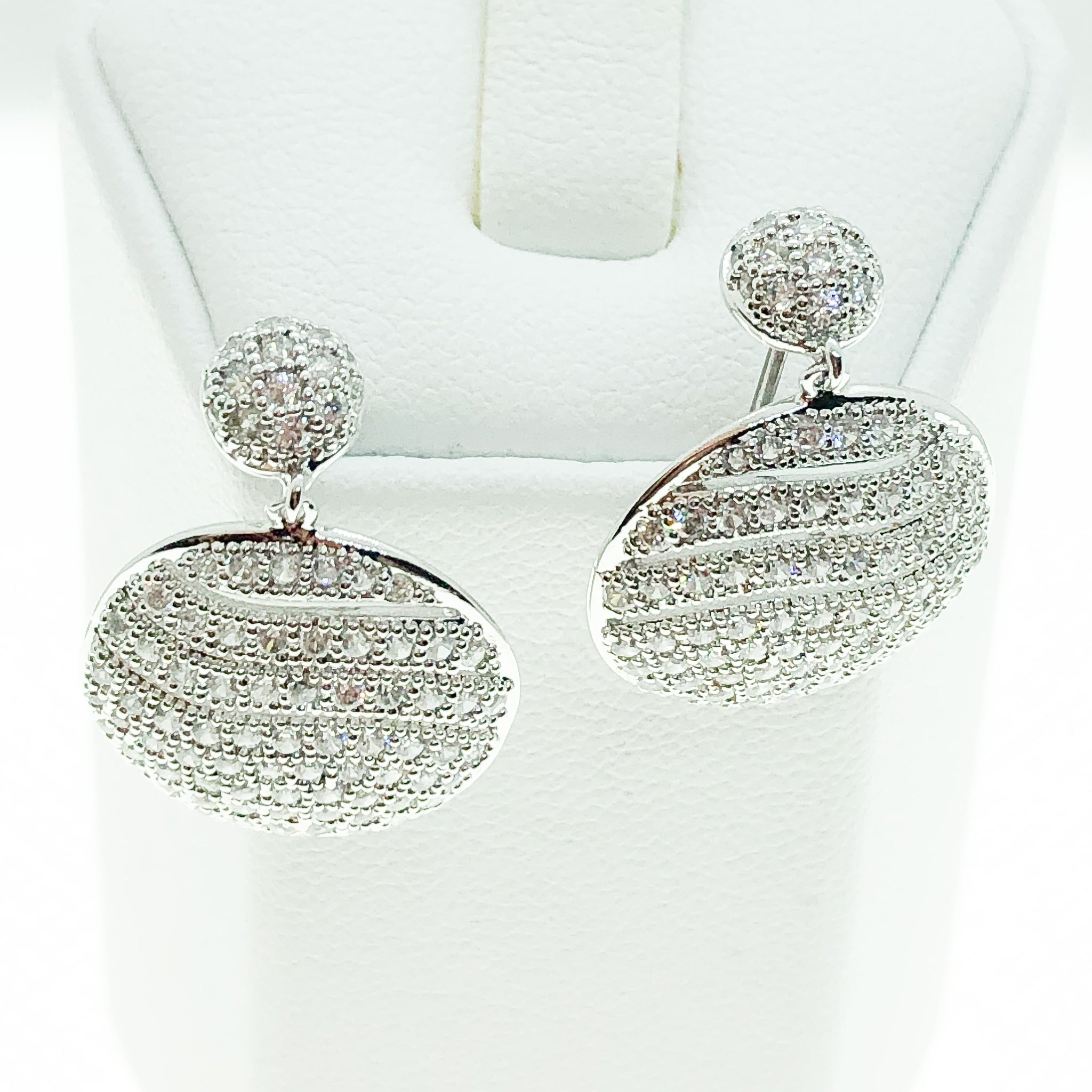 ID: E3733 WOMEN JEWELRY 18K WHITE GOLD GF SHINING CLEAR ROUND STONES EARRINGS FASHION LADY DROP DANGLE