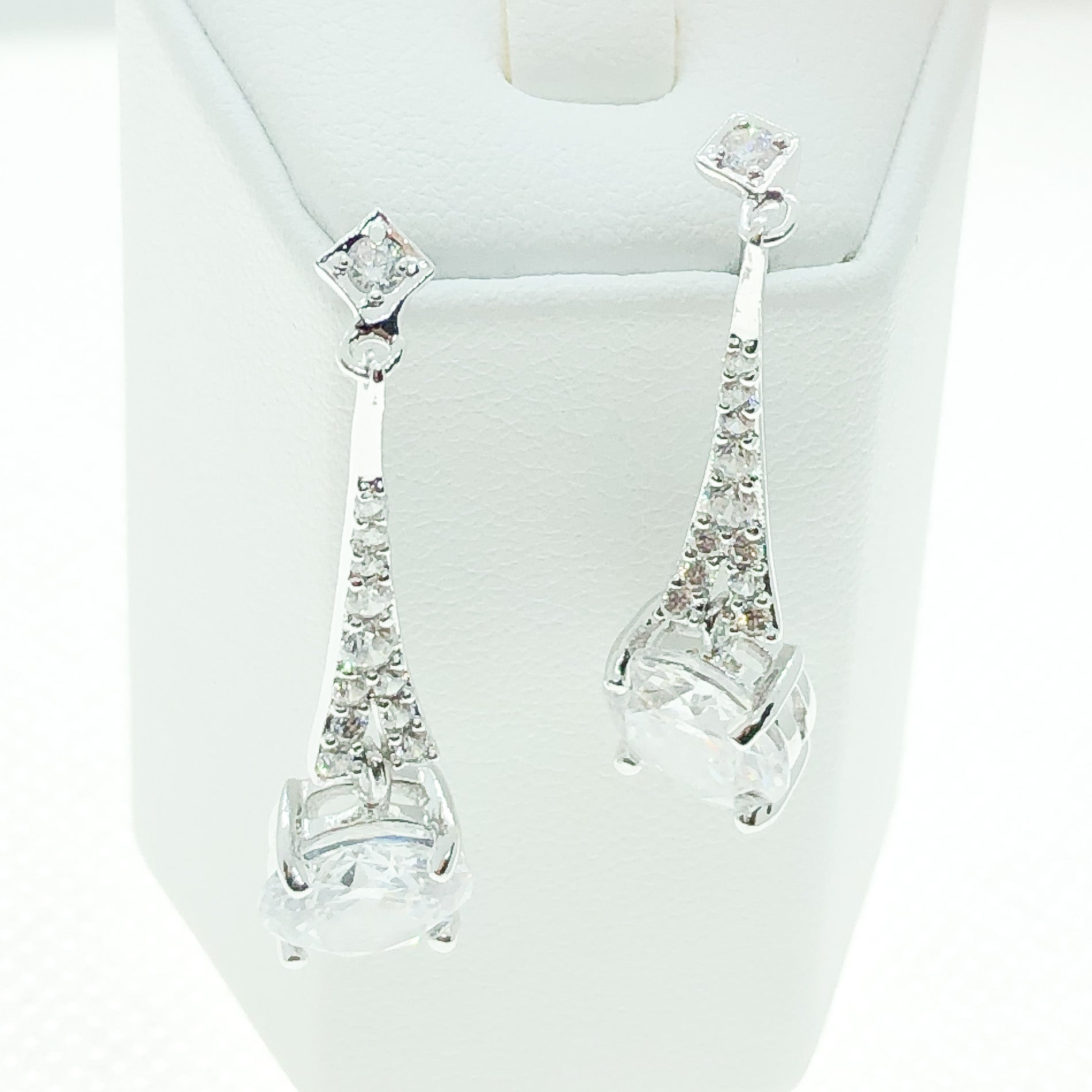 ID: E4354 WOMEN JEWELRY 18K WHITE GOLD GF SHINING CLEAR STONES ETERNITY EARRINGS FASHION LADY DROP ENGAGEMENT WEDDING DANGLE