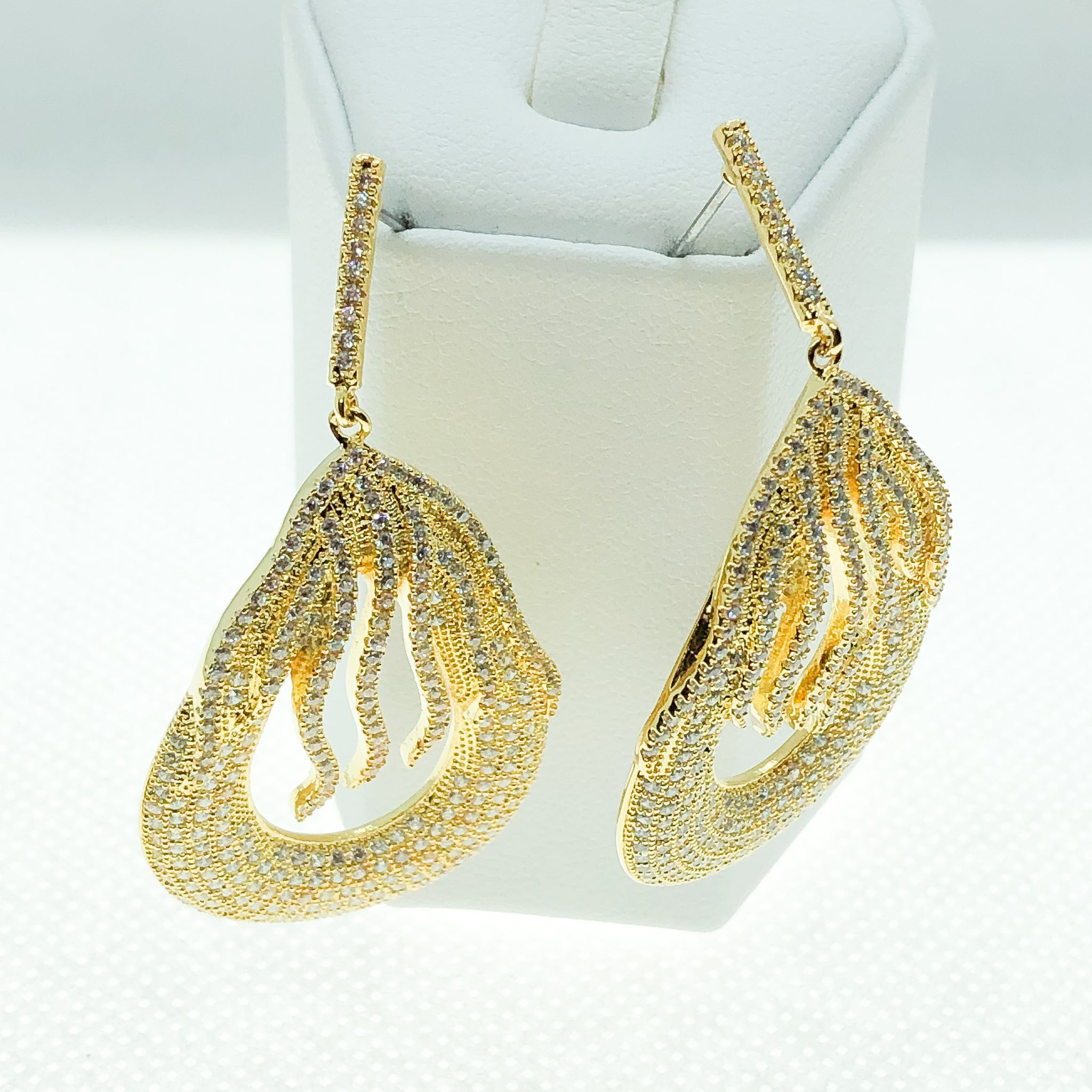 ID: E4851A Women Fashion Jewelry 18K Yellow Gold GF Diamonique Earrings Lady Engagement Wedding Drop Dangle