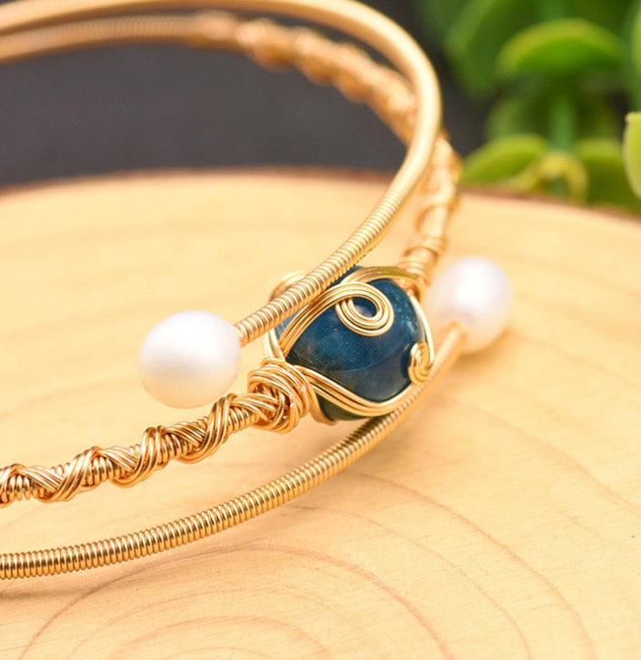 Women Graceful Handcrafted Unique .925 Sterling Silver Plated with 18K Yellow Gold Genuine Kyanite Fresh Water Pearl Bracelet