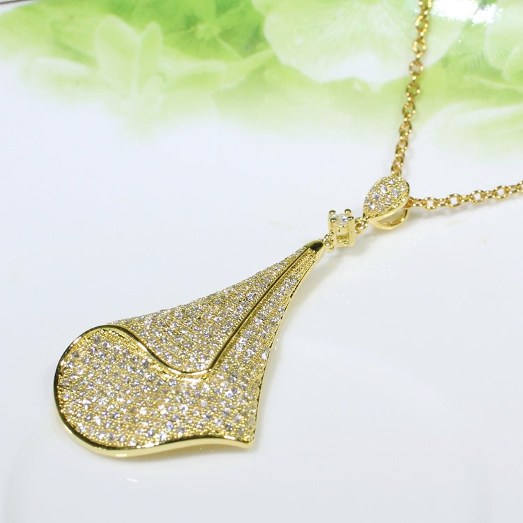ID: P2694 Women 18K Yellow Gold GF Shining Clear Stones Unique Design Dangle Pendant Fashion Lady Anniversary Party Jewelry