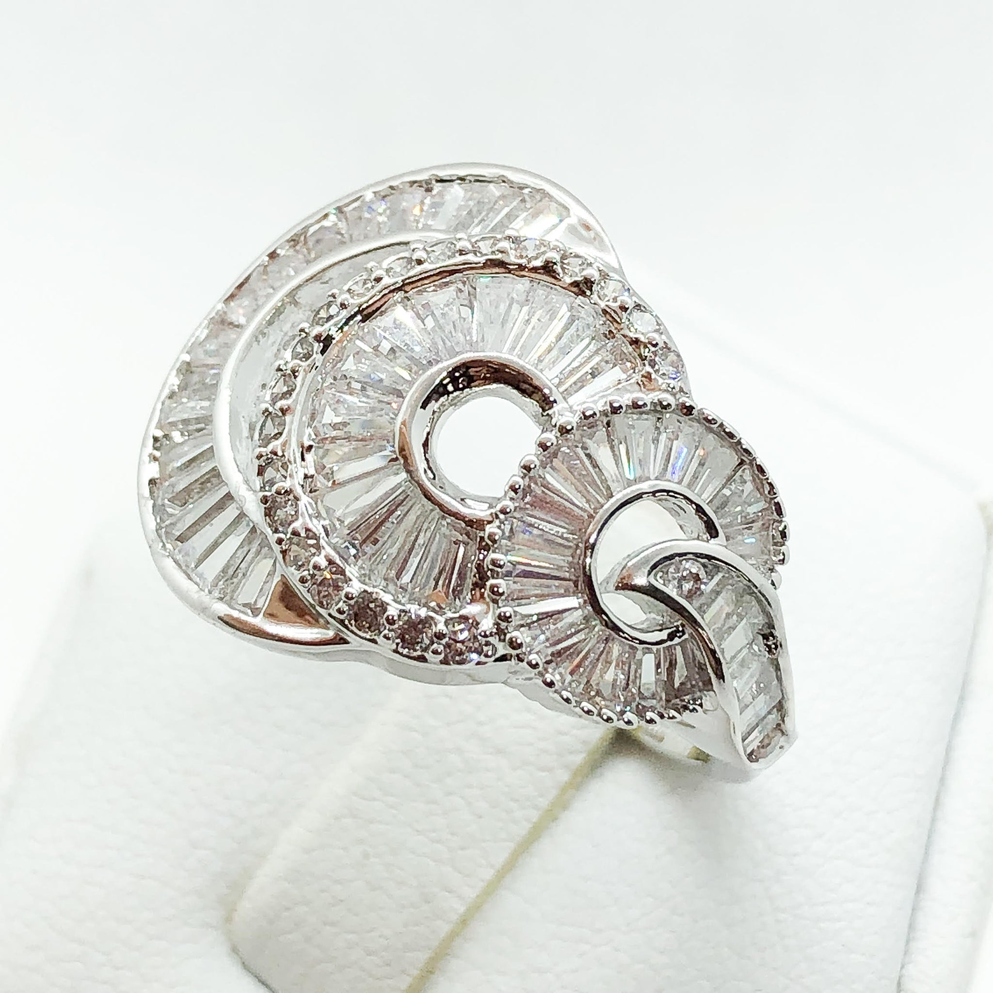 ID:R6675 Women 18K White Gold GF Fashion Jewelry Unique Amazing Eternity Cocktail Anniversary Ring