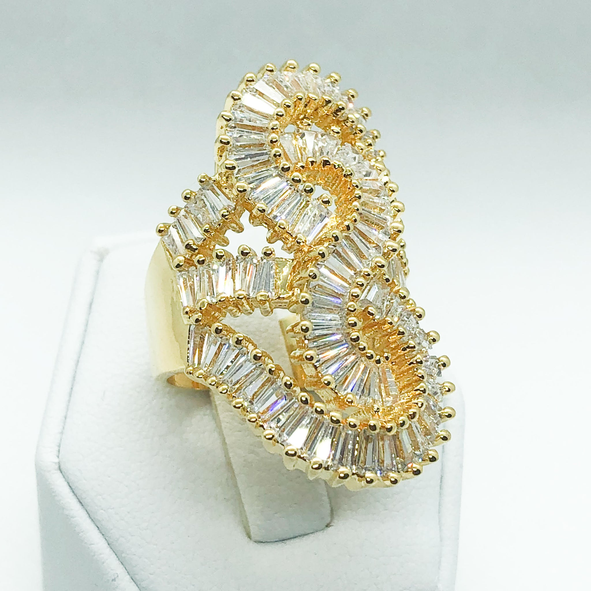 ID:R7003 Women 18K Yellow Gold GF Fashion Jewelry Unique Design Superior Cluster Anniversary Ring