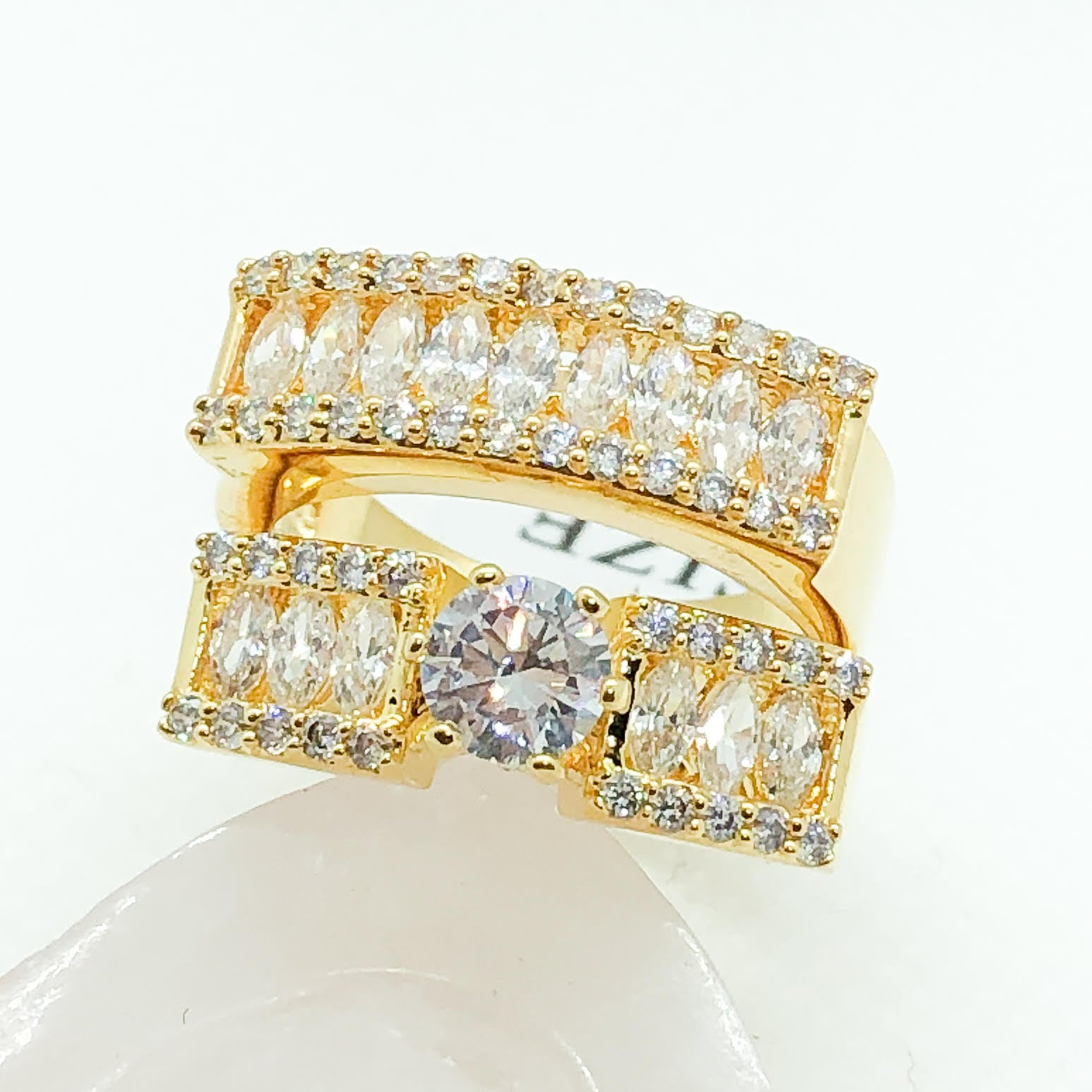 ID:R3912 Women Jewelry 18K Yellow Gold GF Breathtaking Vintage Engagement Wedding Bridal Diamonique Band 2pcs/Set Ring