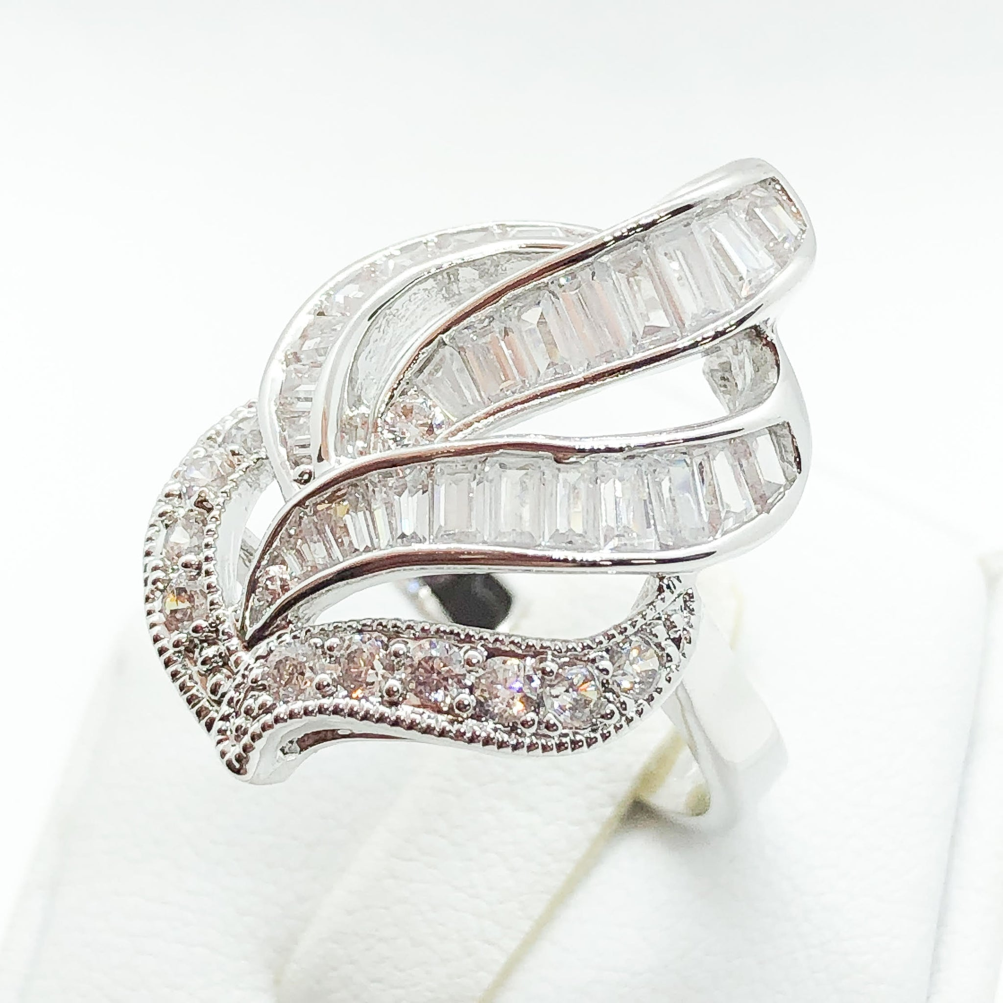 ID:R5863 Women 18K White Gold GF Fashion Jewelry Unique Design Promise Anniversary Clear Gemstones Cluster Cocktail Ring