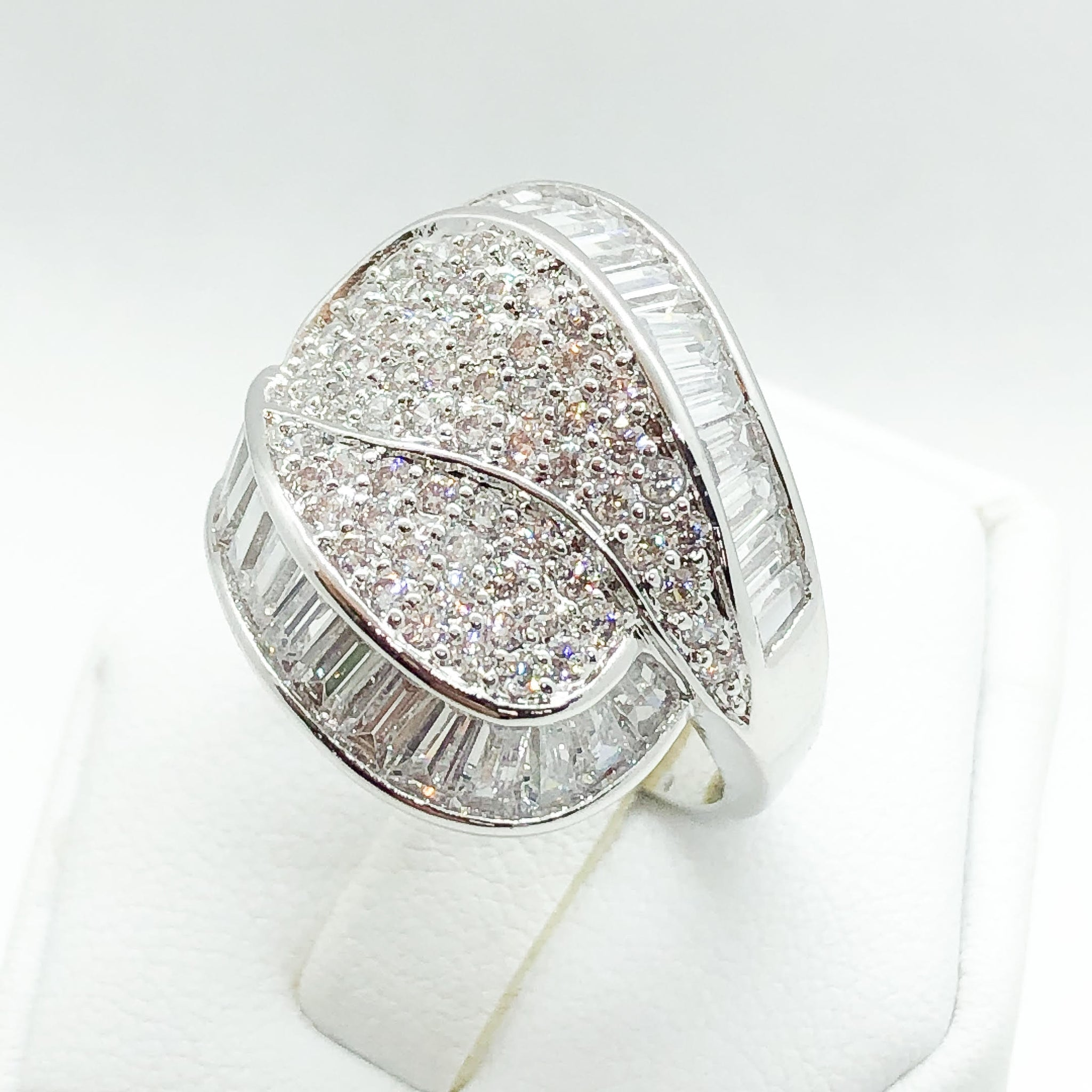 ID:R5902 Women 18K White Gold GF Jewelry Glittering Engagement Wedding Promise Gemstones Cocktail Band Ring