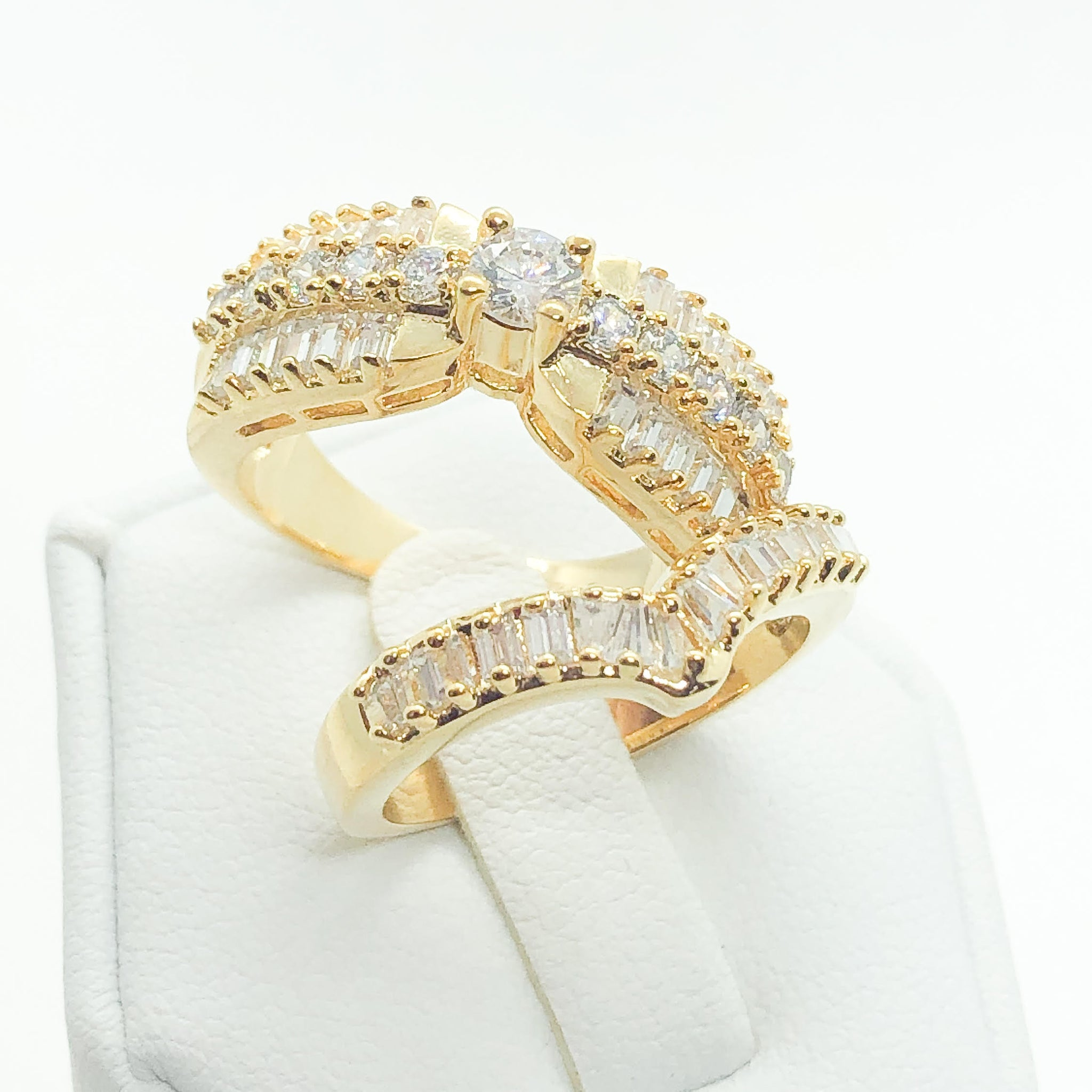 ID:R5590 Women 18K Yellow Gold GF Fashion-Forward Jewelry Glamorous Engagement Wedding Bridal Band Ring 2pcs/Set