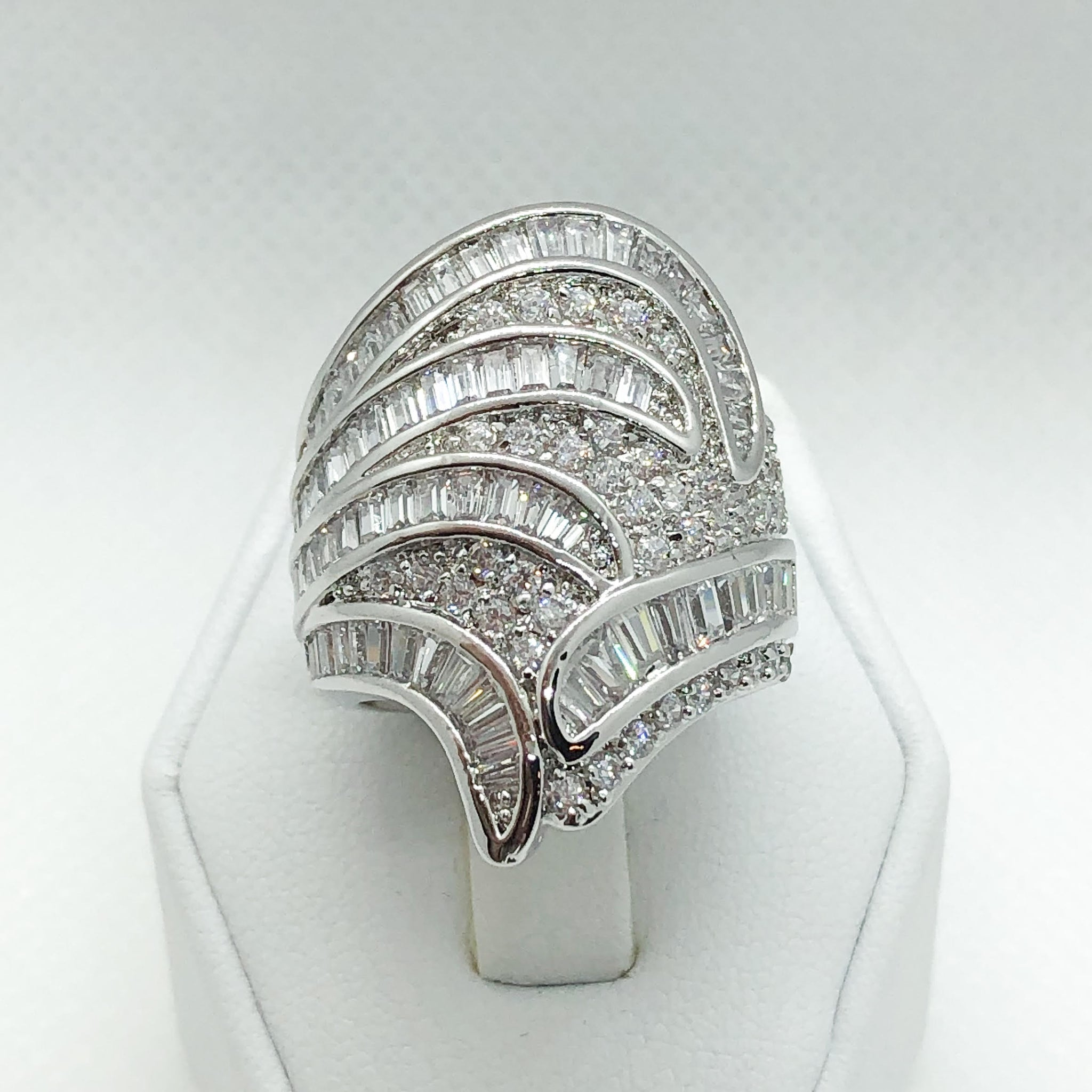 ID:R5480 Women 18K White Gold GF Fashion Jewelry Exceptional Unique Cluster Cocktail Ring Promise Anniversary Gift