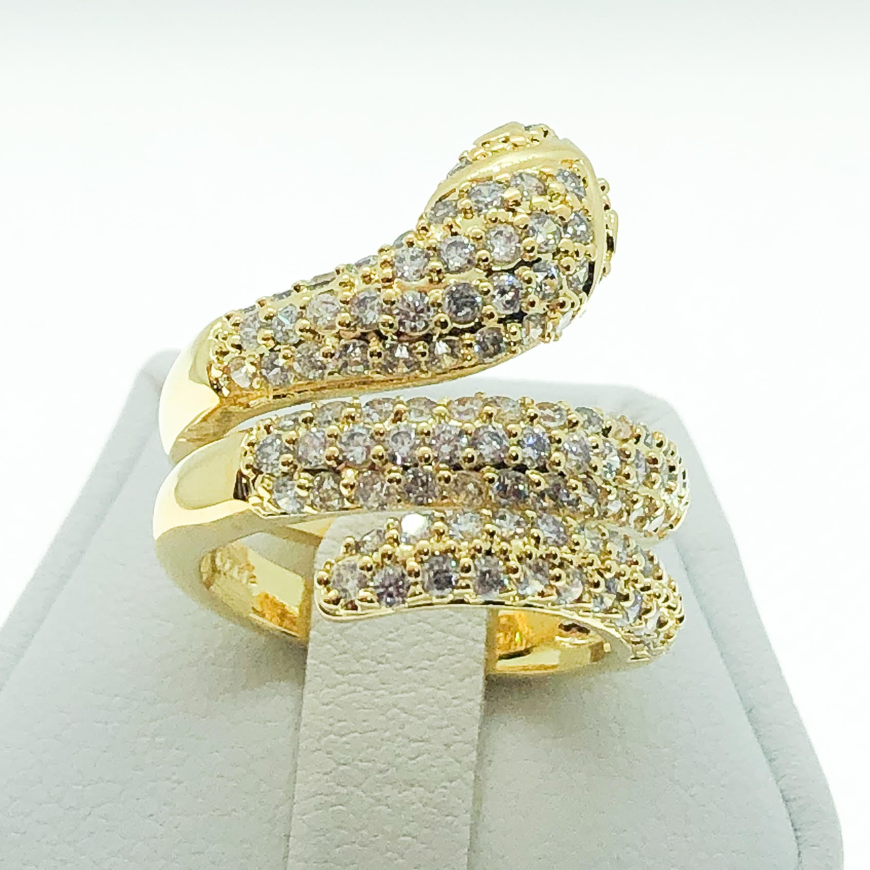 ID:R7285 Women 18K Yellow Gold GF Fashion Jewelry Extraordinary Unique Snake Design Eternity Ring