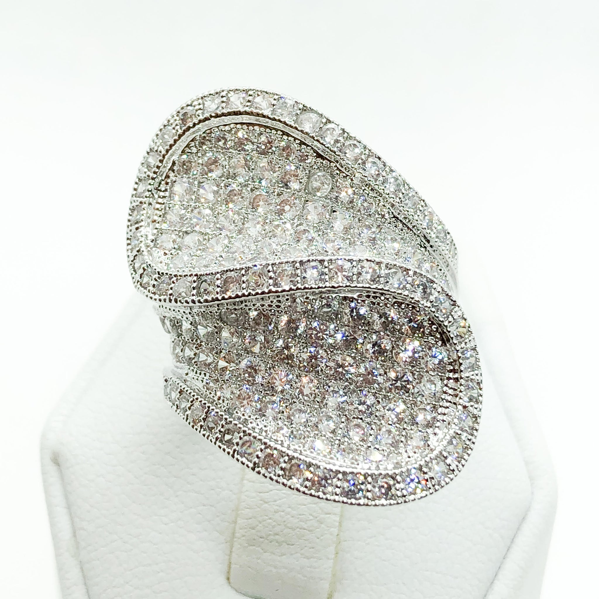 ID:R6585 Women 18K White Gold GF Fashion Jewelry Pretty-Looking Design Sparkly Promise Cluster Ring