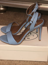 Load image into Gallery viewer, Steve Madden Sky Blue Sandals - US 9.0