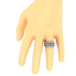 Wedding Ring on Finger-DETR258