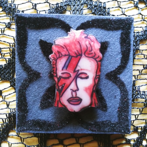 Aladdin Sane, Flair Pin/Tie Tack