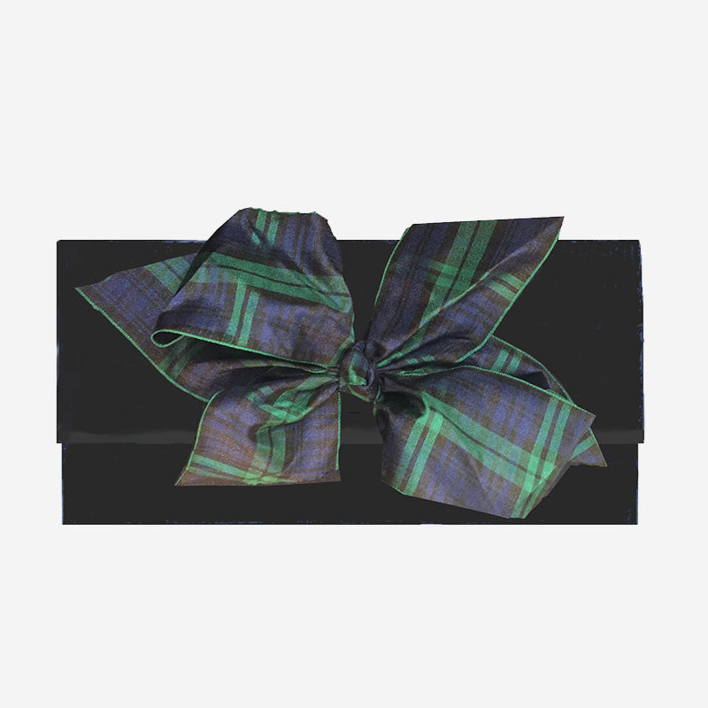 Peachy Pendants Cambridge Clutch Black with Black Watch Plaid Bow