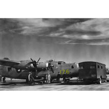 Load image into Gallery viewer, B-24M Liberator RAAF A72-176 Inspired Men's Low Top Canvas Shoes - I Love a Hangar
