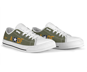 "B-17F ""Memphis Belle"" Inspired Women's Low Top Canvas Shoes - I Love a Hangar"