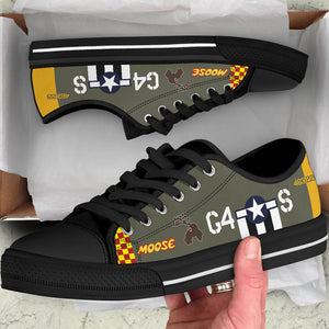 "P-51D ""Moose"" Inspired Men's Low Top Canvas Shoes - I Love a Hangar"