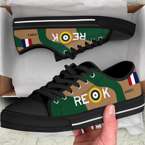 "Curtiss P-40 Warhawk ""AK803"" Women's Low Top Canvas Shoes (WW2 Paint Scheme) - I Love a Hangar"
