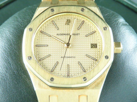 Audemars Piguet Neo Vintage Royal Oak Automatic 18 ct. Yellow Gold 37 mm 14700