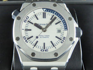 "Audemars Piguet Royal Oak Offshore Diver 42 mm ""J"" Series 15710"