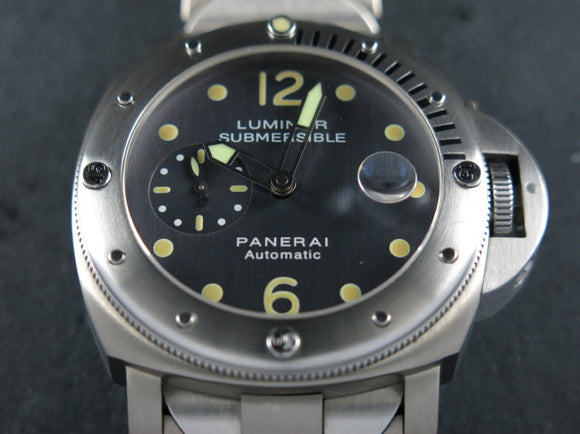 Panerai Submersible Titanium 44 mm Anthracite Dial