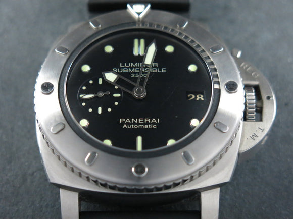 Panerai Luminor 1950 3 Days Automatic Submersible Titanium 2500 Meters 47 mm Special Limited Edition PAM 364