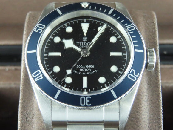 Tudor Black Bay Rose Logo 79220
