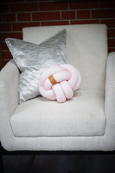 Knot Pillow - Medium (more colours)