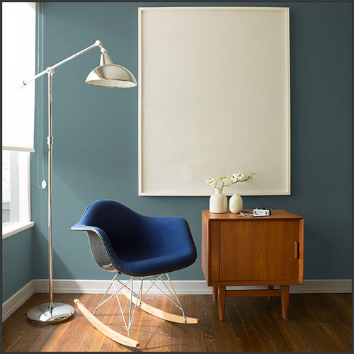 Benjamin Moore's Color of the Year 2136-40 Aegean Teal in a bedroom