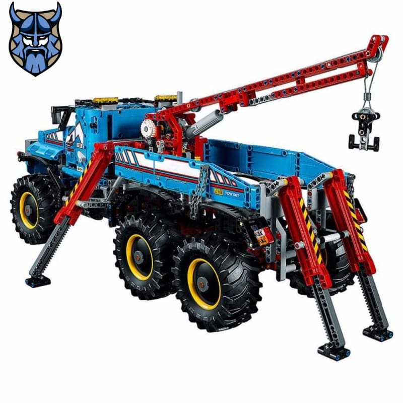 Motorized 6x6 All Terrain Tow Truck | 2,010 Pieces