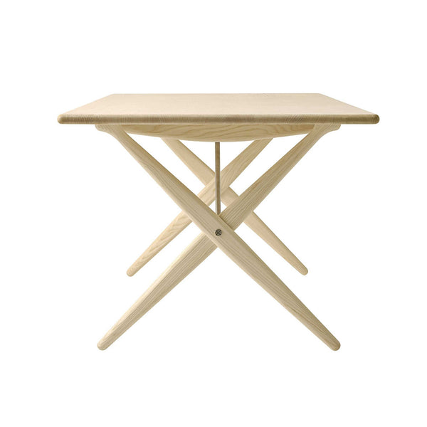 PP85 Cross Legged table