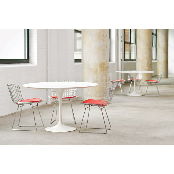 Saarinen round dining table - Quickship